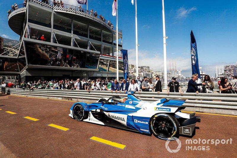 Antonio Felix da Costa, BMW I Andretti Motorsports, BMW iFE.18 in the pit lane