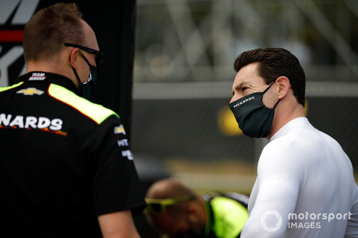 Simon Pagenaud, Team Penske Chevrolet, engineer Ben Bretzman