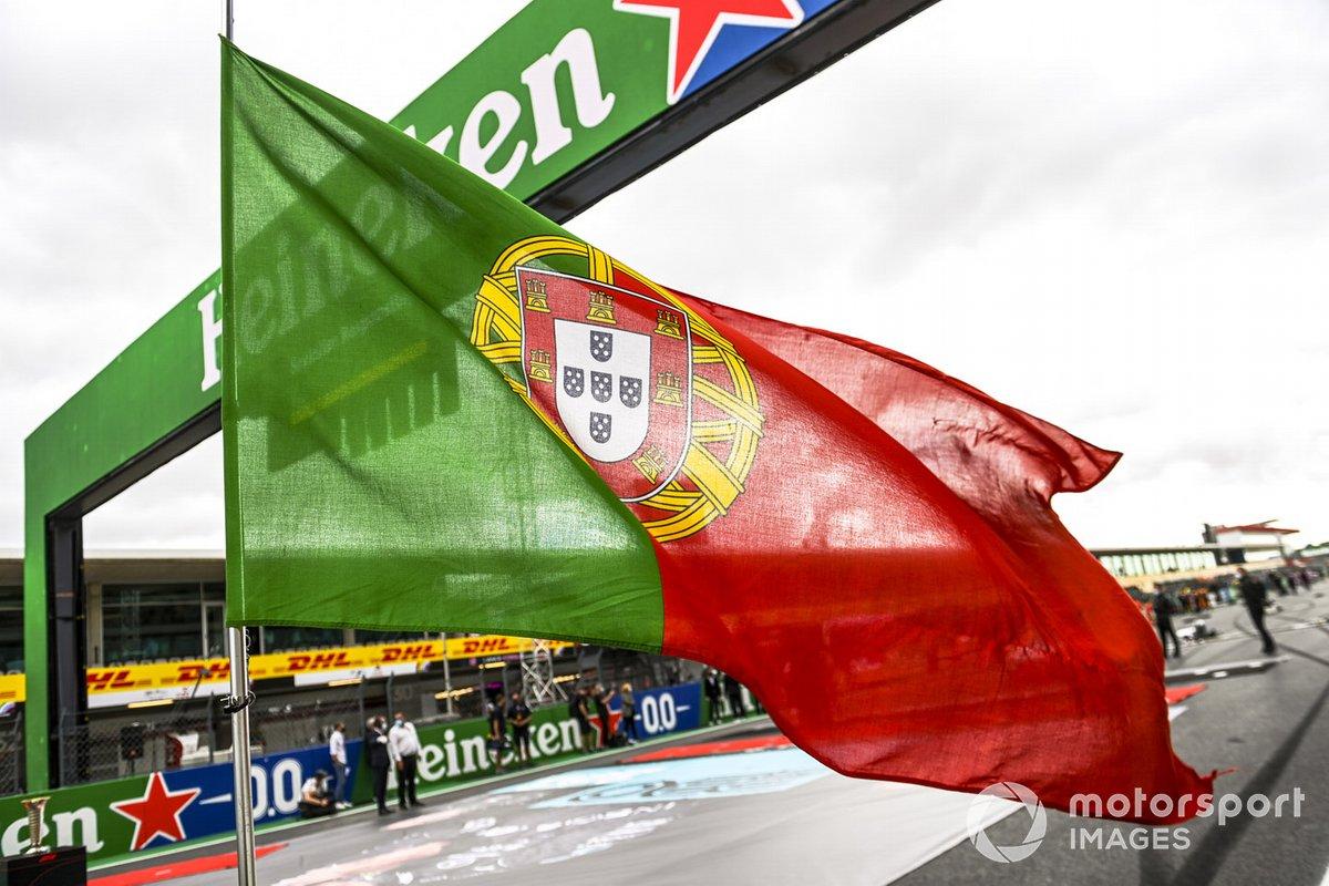 La bandiera portoghese