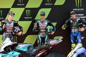Fabio Quartararo, Petronas Yamaha SRT, Pole Award winner Franco Morbidelli, Petronas Yamaha SRT, Valentino Rossi, Yamaha Factory Racing