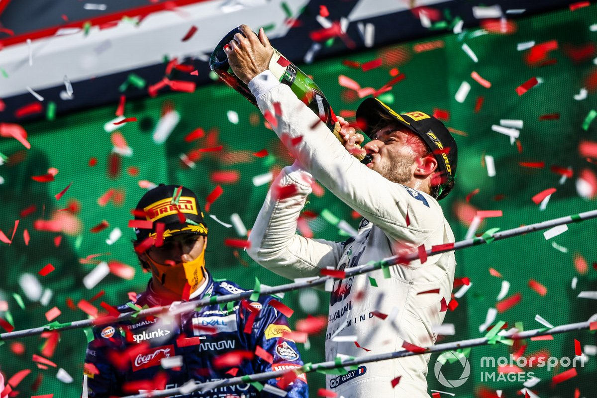Pierre Gasly, AlphaTauri, 1st position, drinks his champagne