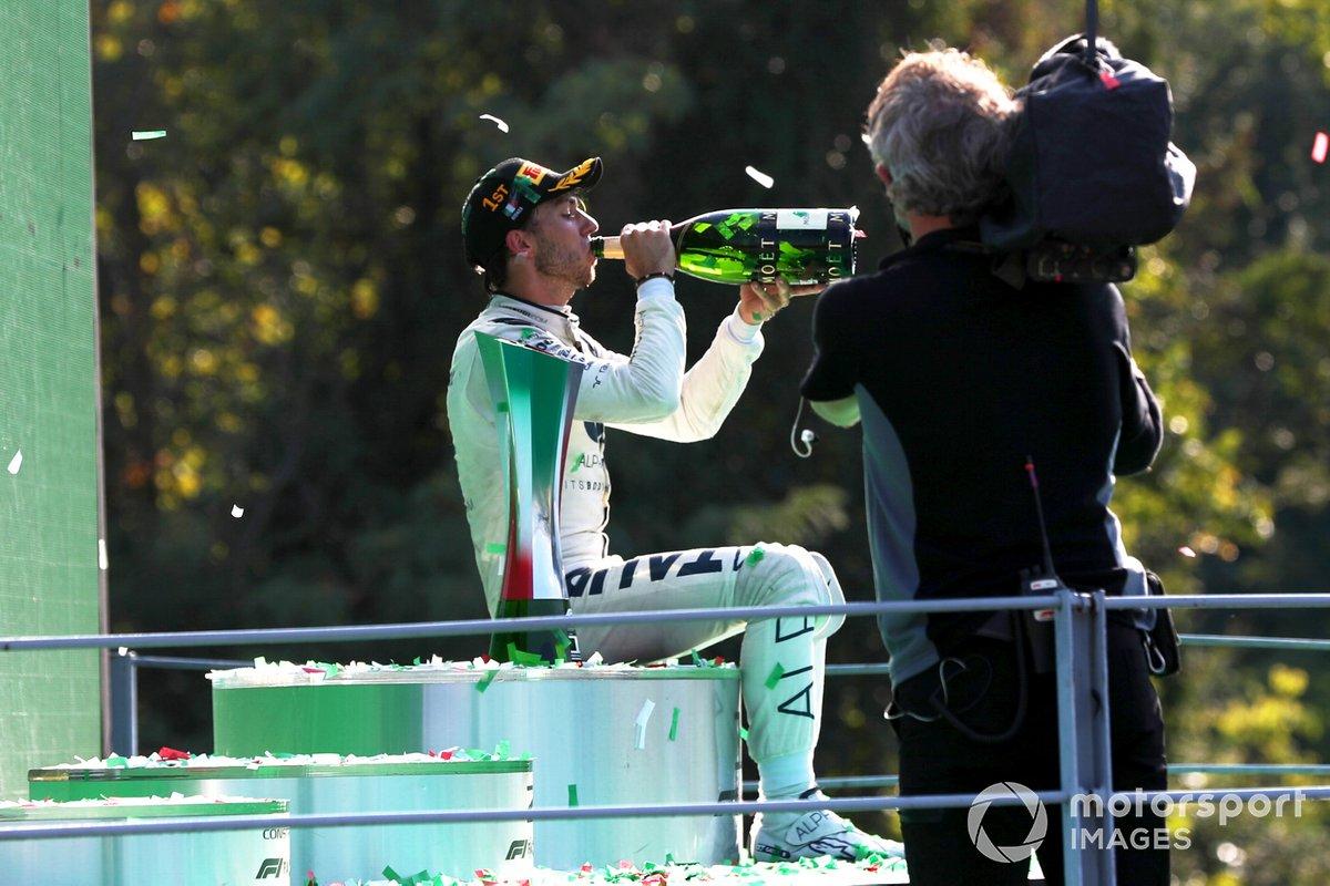 Pierre Gasly, AlphaTauri, celebra su victoria en el GP de Italia