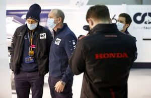Franz Tost, Team Principal, AlphaTauri speaks with an engineer in the garage