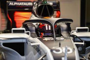 Yuki Tsunoda, Honda Formula Dream Project, dans la monoplace dans le garage