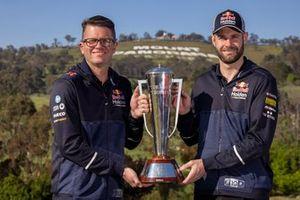 1. Shane van Gisbergen, Garth Tander, Triple Eight Race Engineering Holden