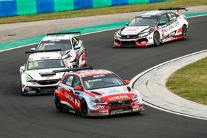 Norbert Michelisz BRC Hyundai N LUKOIL Squadra Corse Hyundai i30 N TCR, Bence Boldizs, Zeng? Motorsport Services KFT CUPRA León Competición TCR, Esteban Guerrieri, ALL-INKL.COM Münnich Motorsport Honda Civic TCR