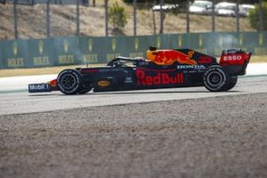 Max Verstappen, Red Bull Racing RB16 spins