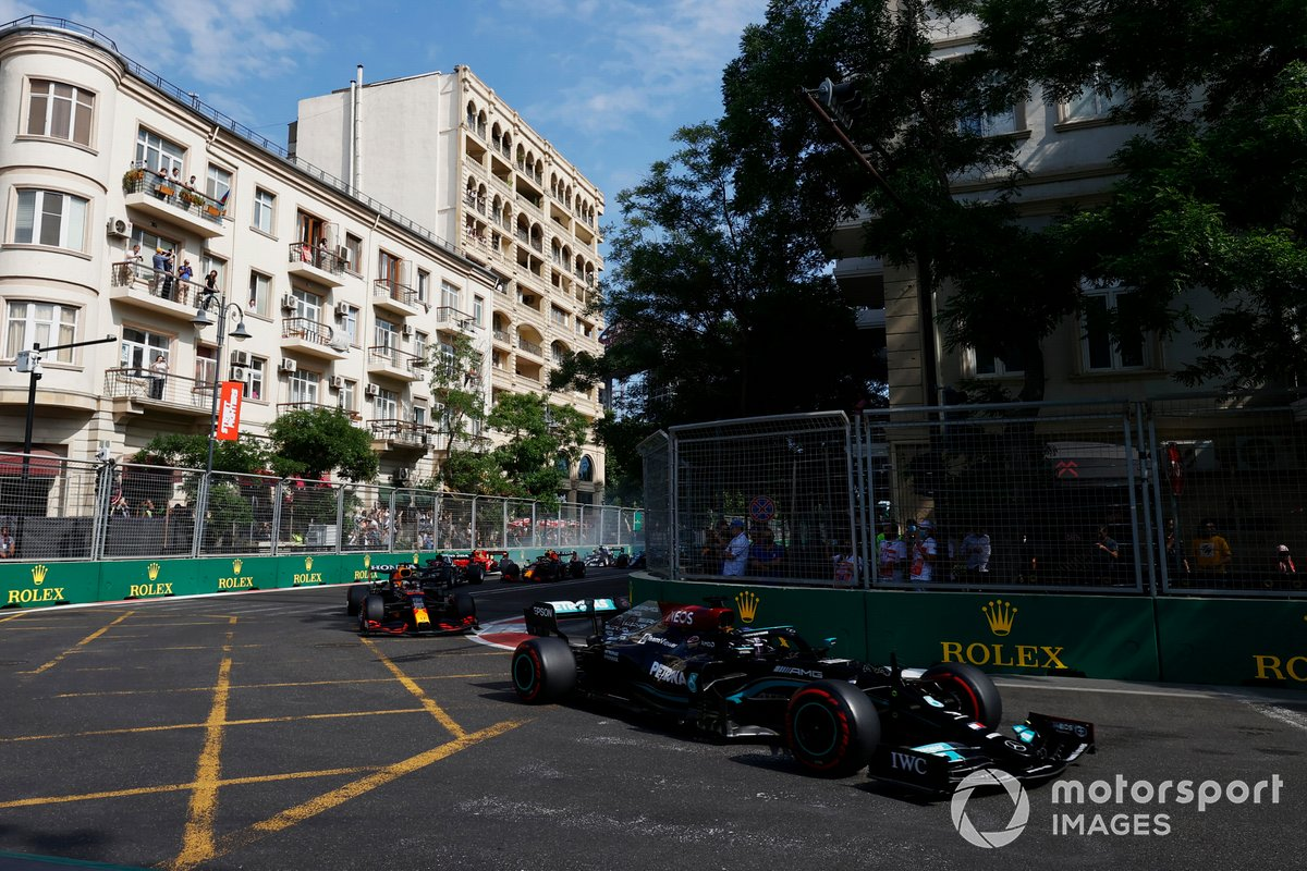 Lewis Hamilton, Mercedes W12, Max Verstappen, Red Bull Racing RB16B, Pierre Gasly, AlphaTauri AT02