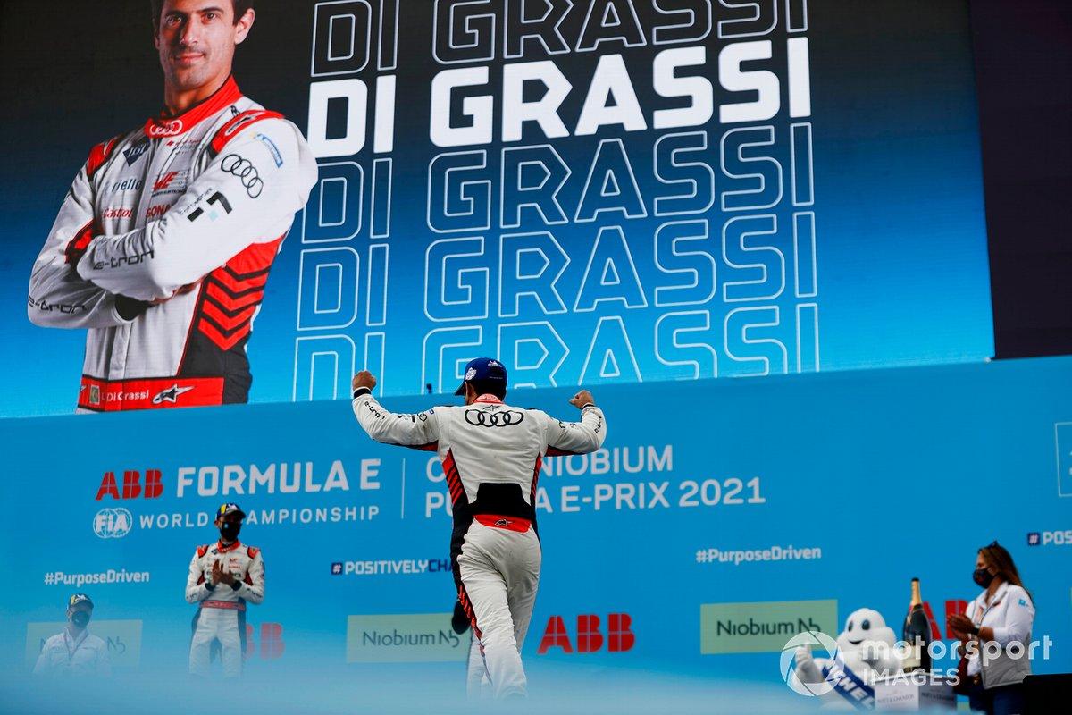 Podio: ganador Lucas Di Grassi, Audi Sport ABT Schaefflere podium