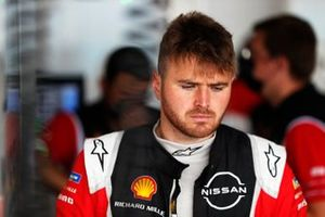 Oliver Rowland, Nissan e.Dams, in the garage