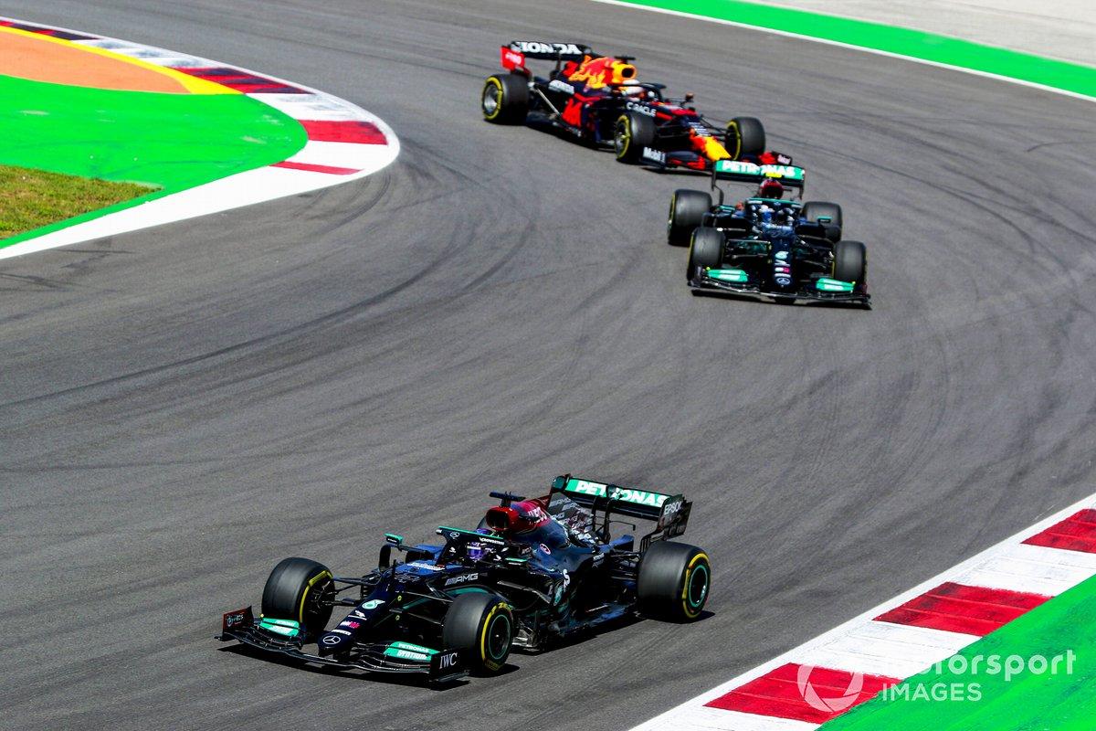 Lewis Hamilton, Mercedes W12, Valtteri Bottas, Mercedes W12, Max Verstappen, Red Bull Racing RB16B