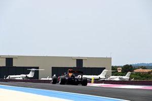 Ayumu Iwasa, Hitech Grand Prix