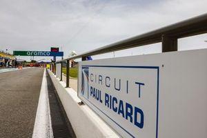Paul Ricard board in the pit lane