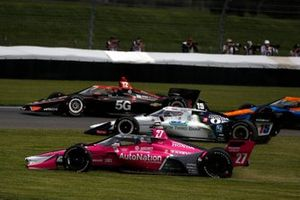 Alexander Rossi, Andretti Autosport Honda, Graham Rahal, Rahal Letterman Lanigan Racing Honda take to the grass to avoid a crash
