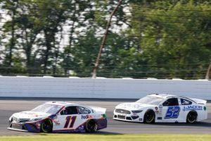 Denny Hamlin, Joe Gibbs Racing, Toyota Camry FedEx Ground and Josh Bilicki, Rick Ware Racing, Ford Mustang Jacob Companies