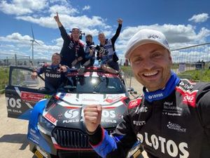 Kajetan Kajetanowicz, Maciej Szczepaniak, Lotos Rally Team