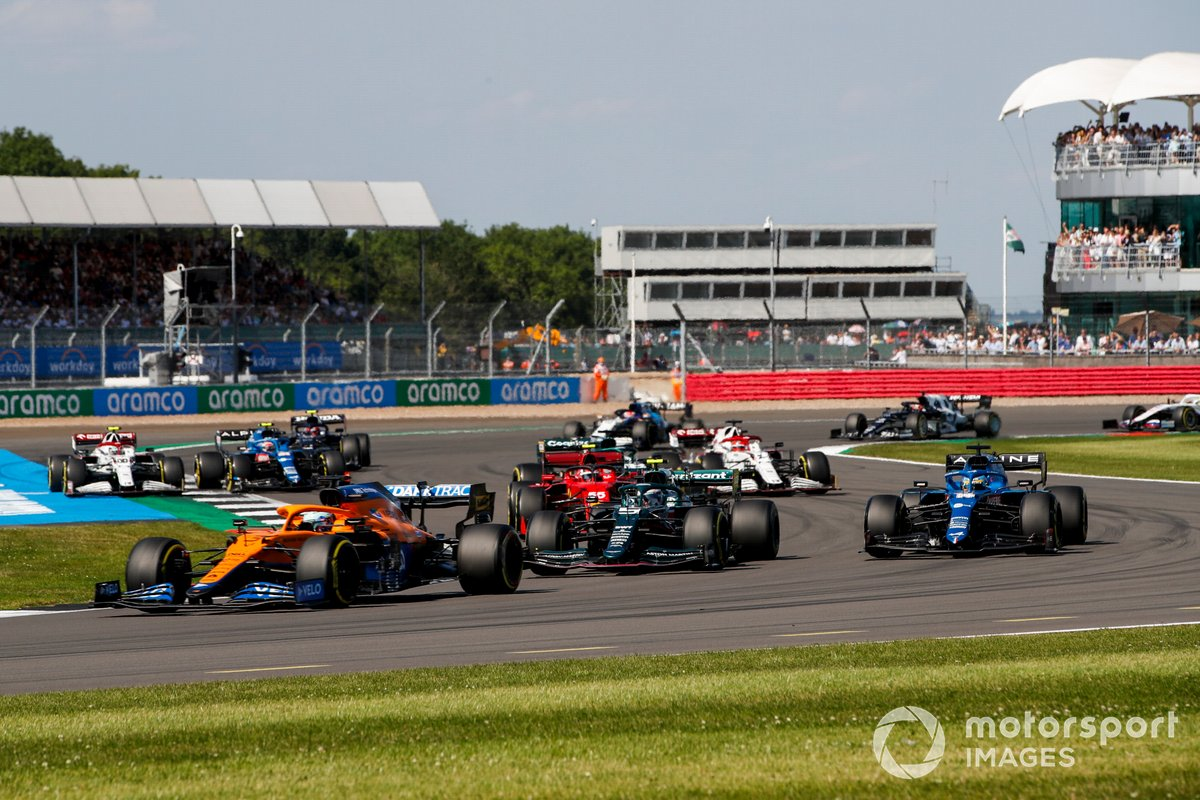 Daniel Ricciardo, McLaren MCL35M, Sebastian Vettel, Aston Martin AMR21, Fernando Alonso, Alpine A521