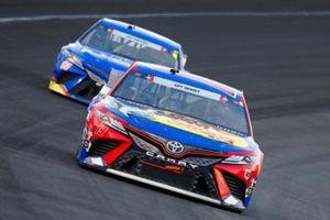 Martin Truex Jr., Joe Gibbs Racing, Toyota Camry Bass Pro Shops Red White Blue