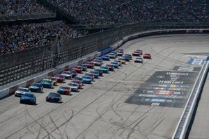 Kevin Harvick, Stewart-Haas Racing, Ford Mustang Mobil 1 Throwback, Brad Keselowski, Team Penske, Ford Mustang Freightliner