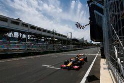 Antonio Giovinazzi, PREMA Racing, wins race