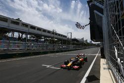 Antonio Giovinazzi, PREMA Racing, wins the race