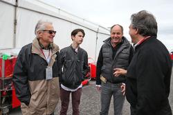 Michael Douglas, acteur avec son fils Dylan Douglas, Gerhard Berger, et Pasquale Lattuneddu, FOM.