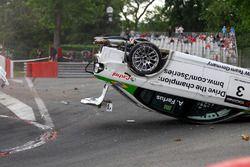 Choque de Augusto Farfus, BMW Team Germany, BMW 320si