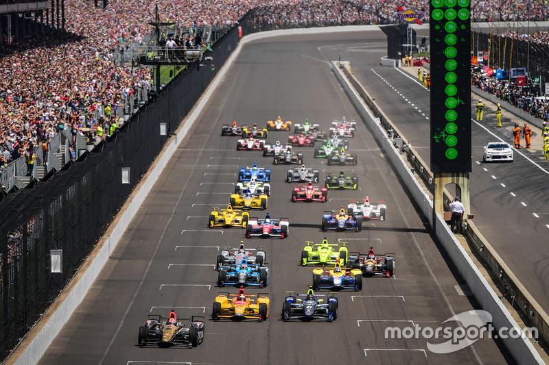 Start zum Indy 500: James Hinchcliffe, Schmidt Peterson, Honda, führt