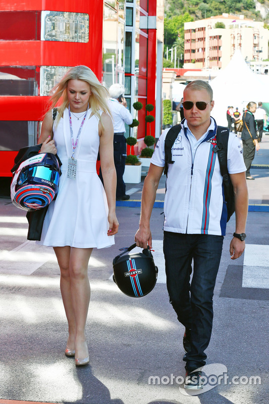 Valtteri Bottas, Williams con su novia, Emilia Pikkarainen