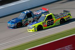 Matt Crafton, ThorSport Racing, Toyota; Tyler Reddick, Brad Keselowski Racing, Ford