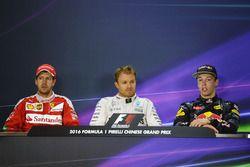 Persconferentie: winnaar Nico Rosberg, Mercedes AMG F1 Team, tweede Sebastian Vettel, Ferrari, derde