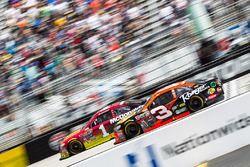 Austin Dillon, Richard Childress Racing, Chevrolet; Jamie McMurray, Chip Ganassi Racing, Chevrolet