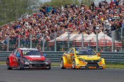 José María López, Citroën World Touring Car Team, Citroën C-Elysée WTCC y Nicky Catsburg, LADA Spor