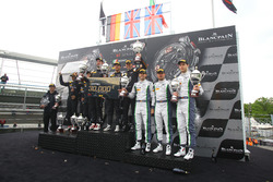 Podio general: Ganador #58 Garage 59, McLaren 650 S GT3: Rob Bell, Côme Ledogar, Shane Van Gisbergen