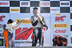 Podium GTA: 1. Martin Fuentes, Scuderia Corsa; 2. Drew Regitz, Stephen Cameron Racing; 3. Michael Sc