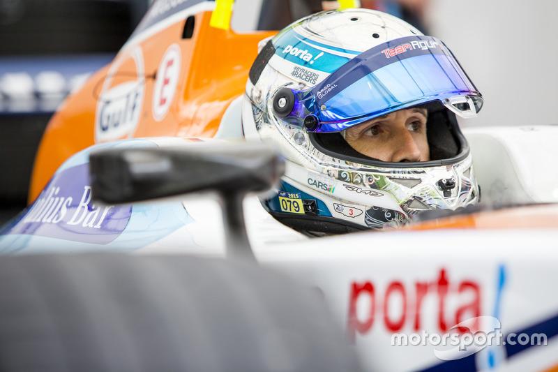 Рене Раст в машине Team Aguri Формулы E