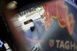 Carlos Sainz Jr. en de Red Bull RB7