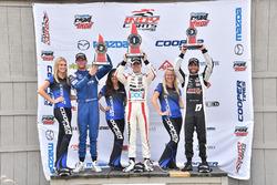 Podio: ganador de la carrera Santiago Urrutia, Schmidt Peterson Motorsports, Dean Stoneman, Andretti