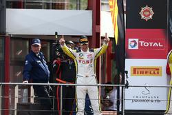 Podio: i vincitori #99 Rowe Racing, BMW M6 GT3: Maxime Martin