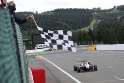 Race winner George Russell, HitechGP, Dallara F312 - Mercedes-Benz
