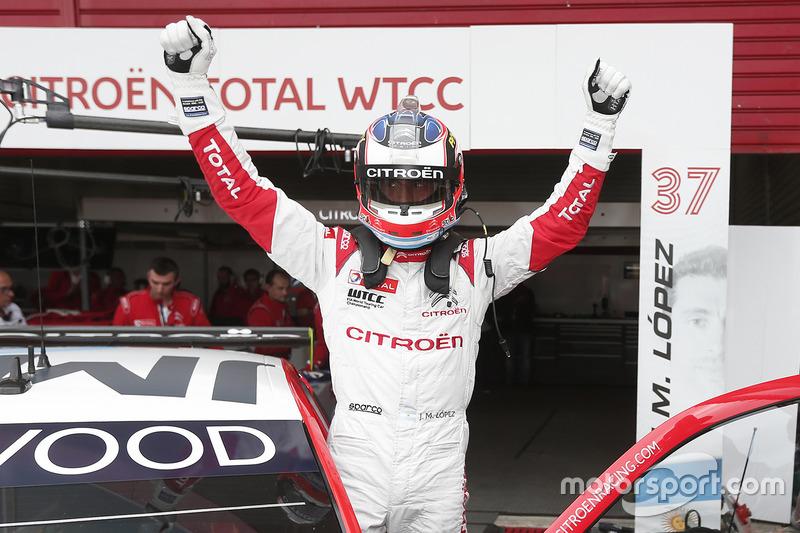 Polesitter José María López, Citroën World Touring Car Team, Citroën C-Elysée WTCC