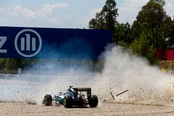 Lewis Hamilton, Mercedes AMG F1 W07 Hybrid and Nico Rosberg, Mercedes AMG F1 W07 Hybrid collide on t