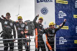 Podium: Winnaars #38 G-Drive Racing Gibson 015S-Nissan: Simon Dolan, Giedo van der Garde, Harry Tinc