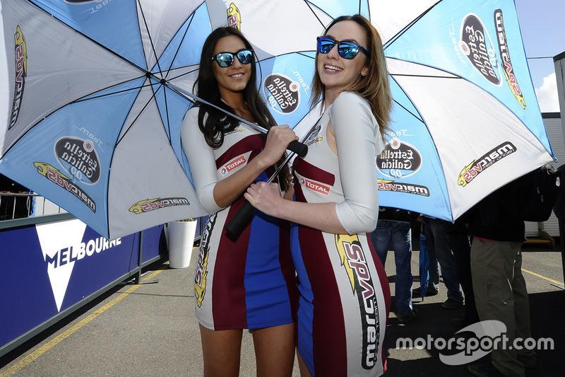 Azafatas de Marc VDS Racing