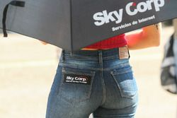 Chicas del Paddock Argentina Sky Corp