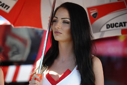 Грид-герл команды Ducati