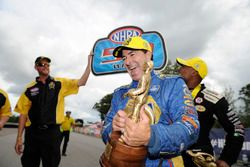 Seattle: Funny Car galibi Ron Capps