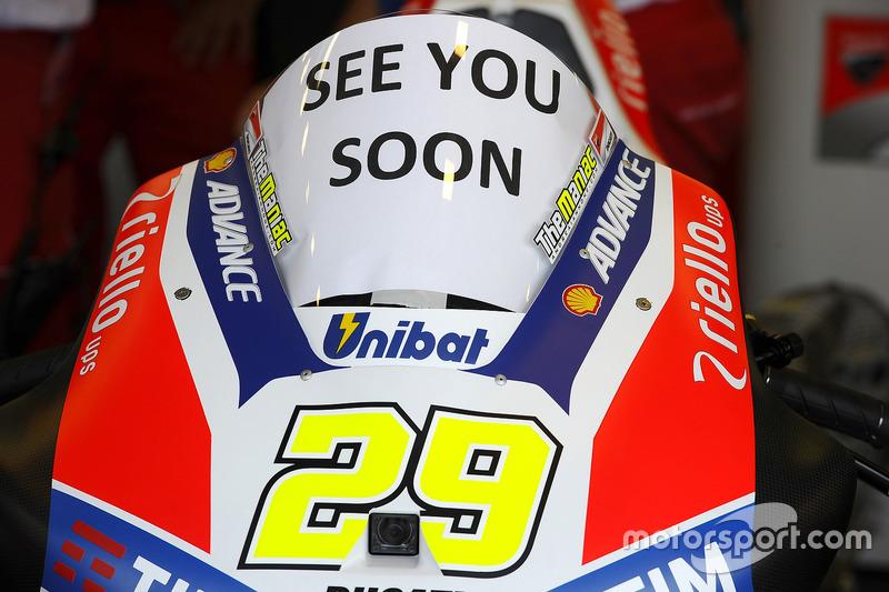 A Ducati lembrou de Andrea Iannone, que não pôde correr neste fim de semana após sofrer acidente na sexta-feira.
