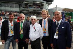 Roberto Marone, Presidente de la región de Lombardía; Bernie Ecclestone y el Dr. Angelo Sticchi Dami