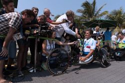 Alex Zanardi met de media